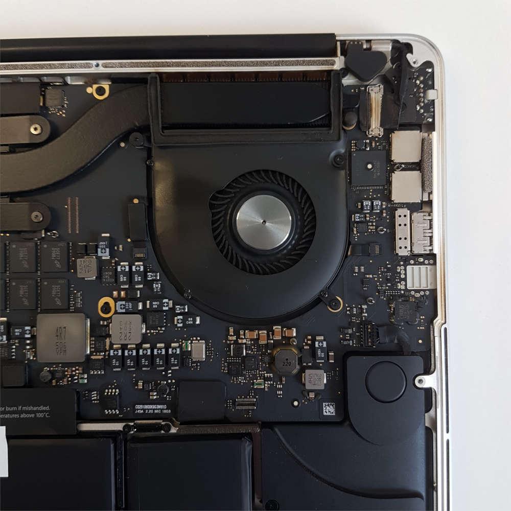 MacBook Pro curat